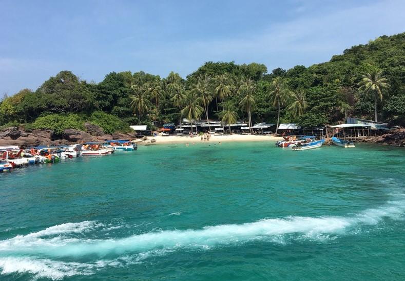 Tour cano 4 đảo + Cáp Treo – khám phá Hòn Mây Rút, hòn Móng Tay, hòn Dăm Ngang